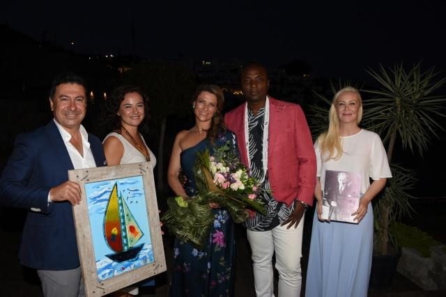 Norveç Prensesi Maertha Louise, nişanlısı Shaman Durek ile Aşklarını Bodrum'da Tazelediler