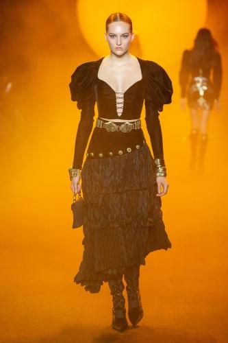 RaisaVanessa New York Fashion Week Solo Defilesini Sundu
