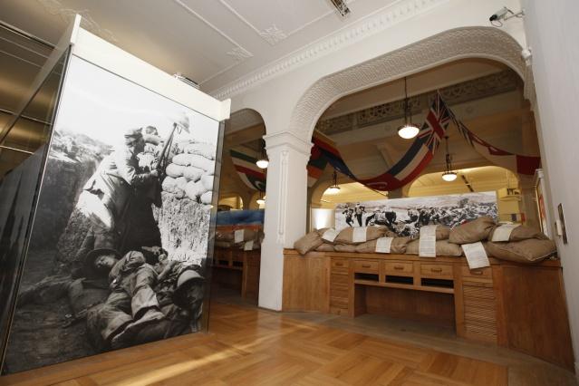 Derinlerden Siperlere Çanakkale 1915