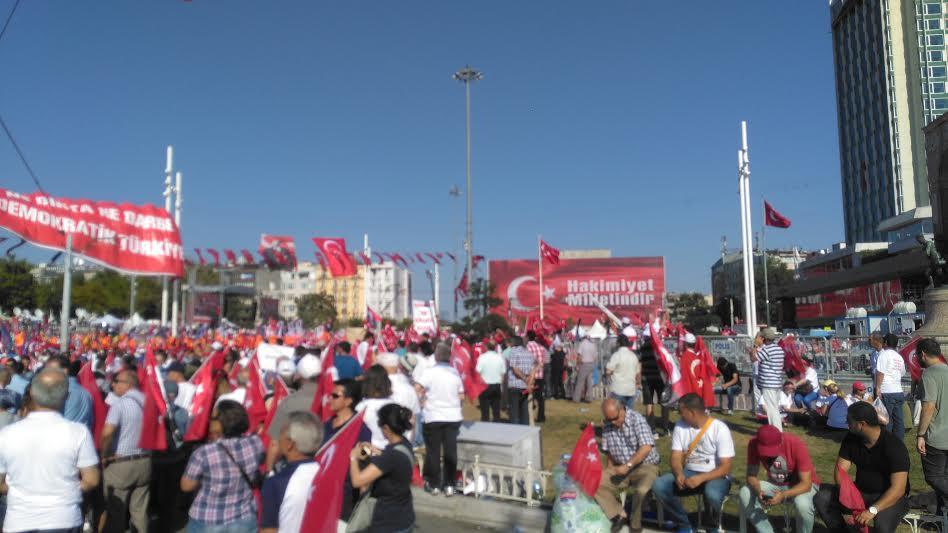 Taksim Demokrasi Ve Cumhuriyet Mitingi