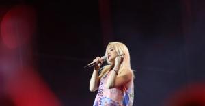 Seksi Yıldız Rita Ora, Antalya'yı Salladı