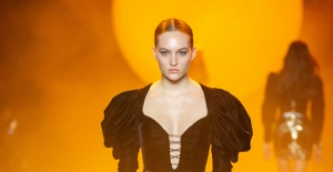 RaisaVanessa New York Fashion Week Solo Defilesini Sundu