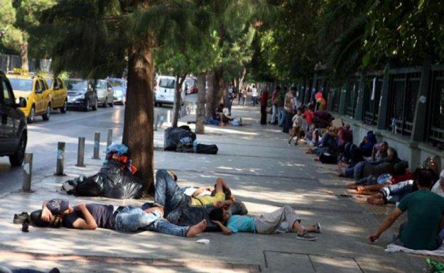 İzmir'de mülteci dramı
