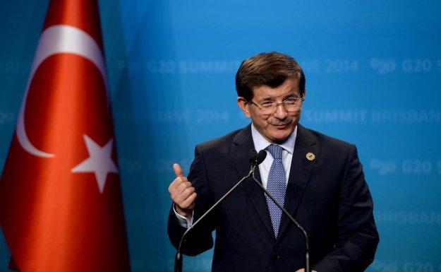 Başbakan Davutoğlu birlik ve beraberlik çağrısı yaptı: Gelin el ele, el Hakk'a diyelim
