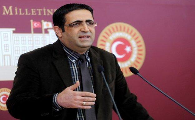 HDP'den 'PKK Dağlıca'da saldırırken Başbakan maç seyretti' şikayeti (2)