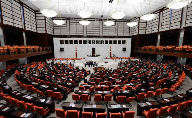 AB Heyeti CHP'ye 'seçim yapılabilir mi' diye sordu