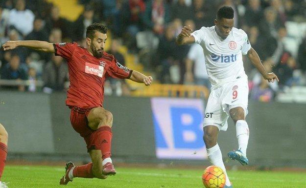 Antalyaspor-,Gaziantepspor Maçından Gol Sesi Çıkmadı
