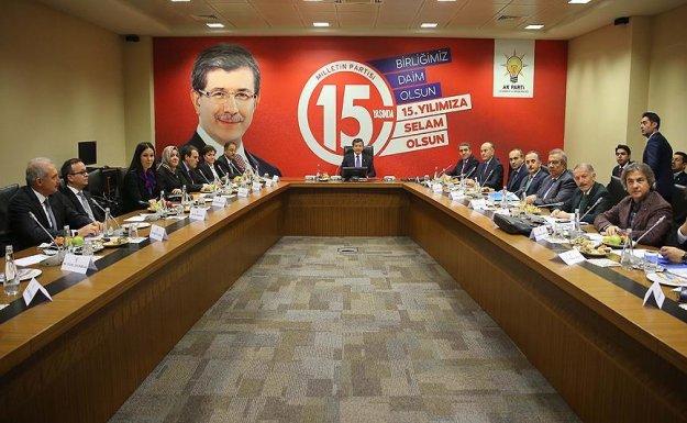 Davutoğlu AK Partili belediye başkanlarıyla buluştu