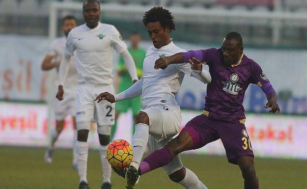 Akhisar-Osmanlıspor Karşılaşması 0-0 Berabere Sonuçlandı
