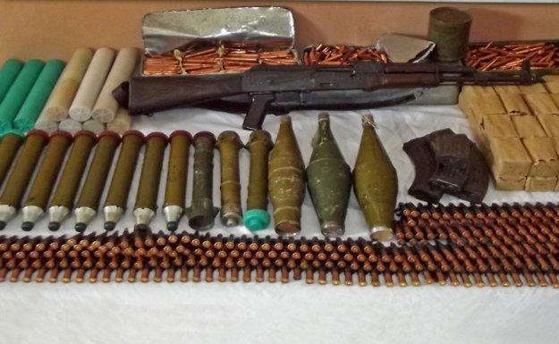 Diyarbakır'da Mühimmat Dolu Bir Araç Yakalandı