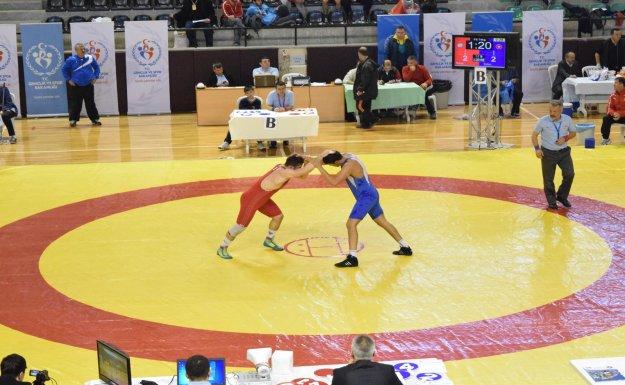 ASKİ Spor Açık Ara Şampiyon