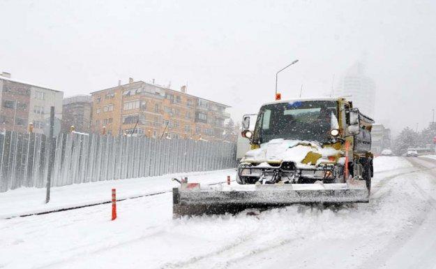 Ankara'da Kar Mesaisi