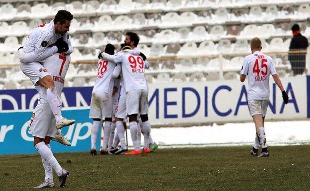 Eskişehirspor, Samet Aybaba ile İlk 3 Puanını Aldı