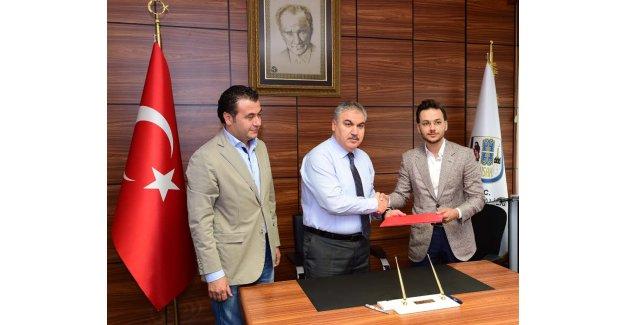 """Muratbey, Uşak Sportif ile """"devam"""" dedi"""