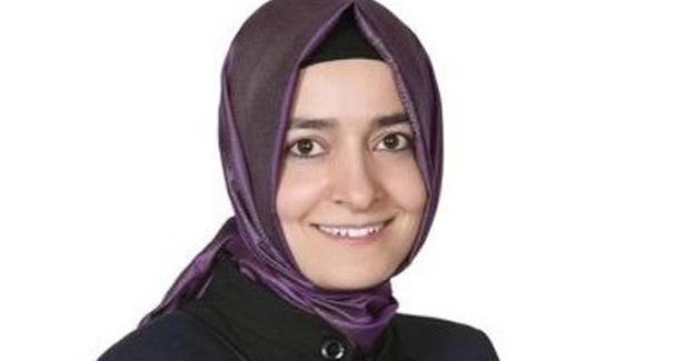 Bakan Sayan: Demokrasi Şehidi Menderes'i Rahmetle Anıyorum