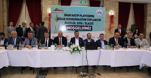 Bakan Tüfenkçi İmam Hatip Platformu Bölge Koordinasyon Toplantısına Katıldı