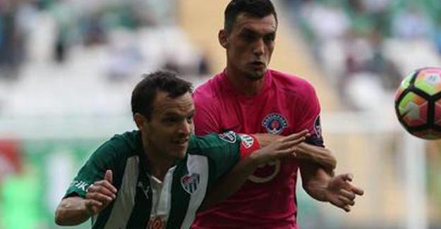 Bursaspor, Kasımpaşaspor'u Eli Boş Gönderdi