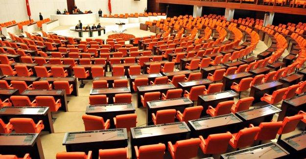 Meclis Açılışında Erdoğan Ayakta Karşılanacak