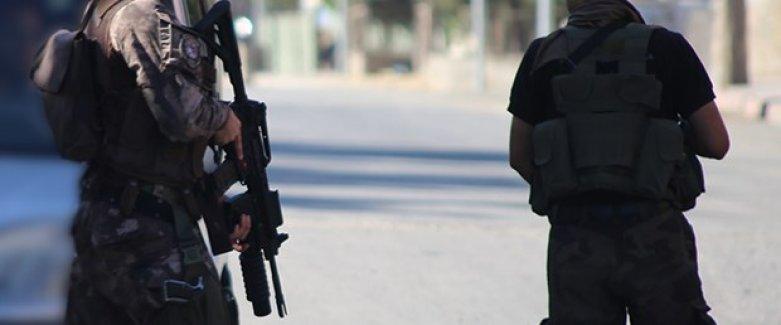Adana'da Silahlı Şüpheli İhbarı Polisi Alarma Geçirdi