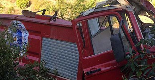 Antalya'da İtfaiye Aracı Uçuruma Yuvarlandı: 2 Ölü, 1 Yaralı