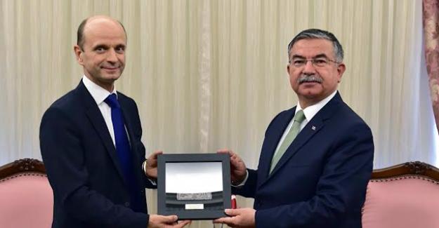 Bakan Yılmaz Makedonya Büyükelçisi Zvanko Mucunski'yi Kabul Etti