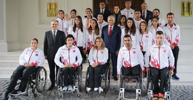 Başbakan Yıldırım Paralimpik Oyuncuları Kabul Etti