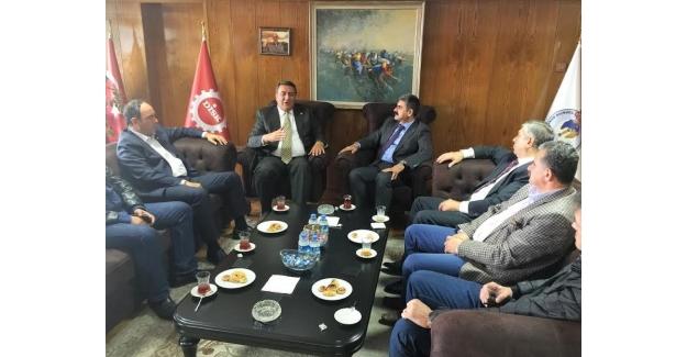 CHP'li Gürer, DİSK Genel- İş Sendikası'nı Ziyaret Etti