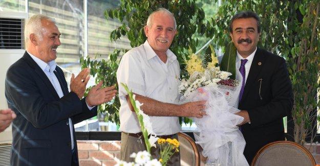 Çukurova Belediye Başkanı Çetin Muhtarlar Günü'nü Kutladı