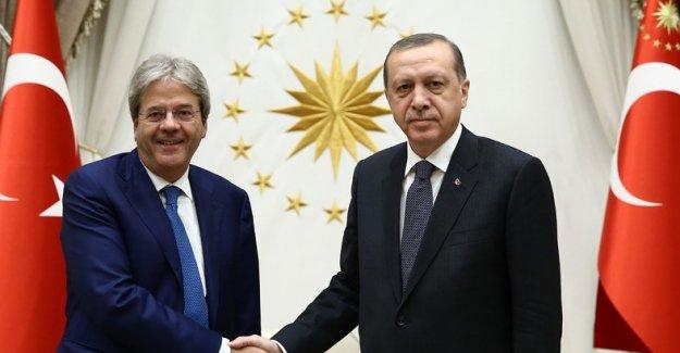 Cumhurbaşkanı Erdoğan, İtalya Dışişleri Bakanı Gentiloni'yi Kabul Etti