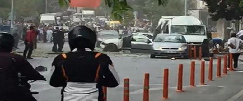 İstanbul Yenibosna'da Karakol Yakınında Patlama Meydana Geldi