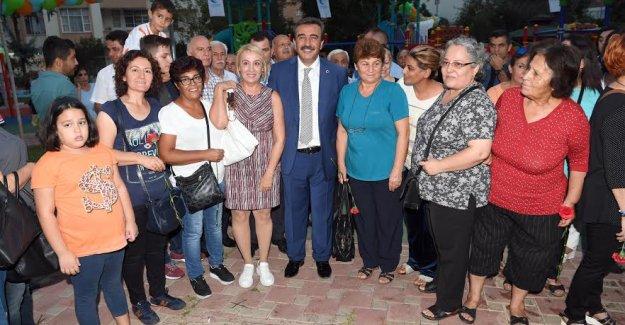 Türkiye'nin İlk Ve Tek Kadın Sohbet Evi Çukurova'da Açıldı