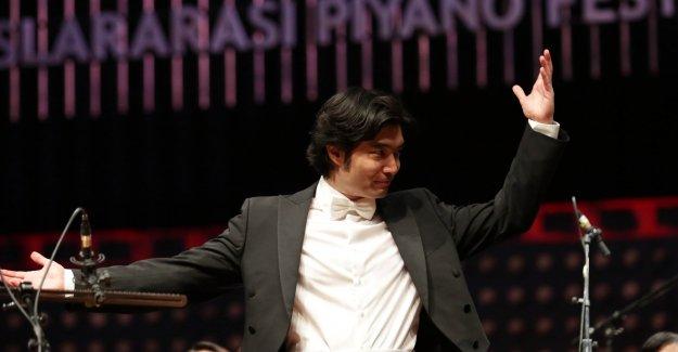 Ünlü Şef Darrell Ang Antalya'da Müzik Ziyafeti Yaşattı