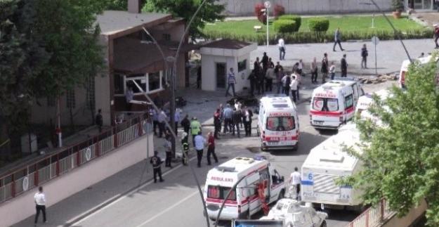 Gaziantep Emniyet Müdürlüğüne Saldırı: Bir Polis Memuru Hafif Yaralı