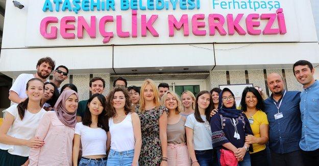 AIESEC Öğrencileri Ataşehir Belediyesi'ne Misafir Oluyor