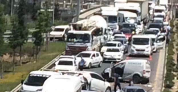 Ankara'da Zincirleme Trafik Kazası: Çok Sayıda Yaralı Var