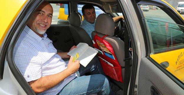 """Ataşehir Belediyesi'nden """"Bu Takside Kitap Var"""" Kampanyası"""