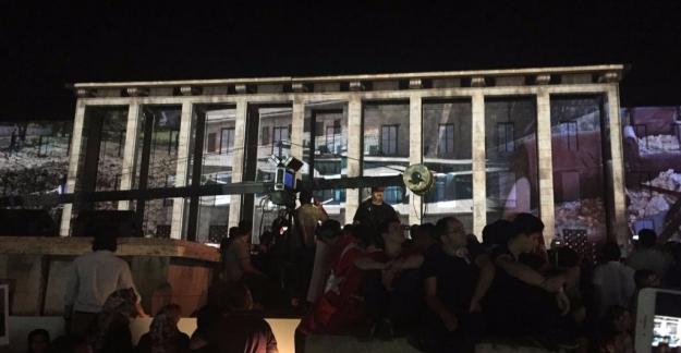 CHP Ve HDP'nin Katılmadığı Anma Programını Bahçeli Hükümet Sıralarından İzledi