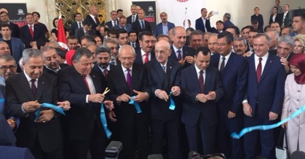 """TBMM'de """"15 Temmuz Millet Darbeye Dur Dedi"""" Fotoğraf Sergisi Açıldı"""