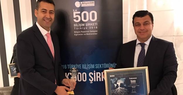 TeknoSA'ya Bilişim 500'den 2 ödül