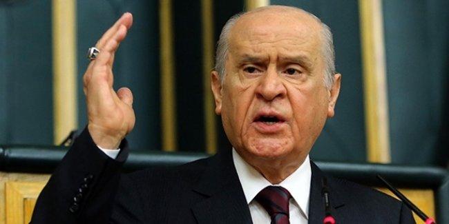 """Bahçeli: """"Referandum Türkiye İçin Savaş Sebebi Sayılmalı"""""""