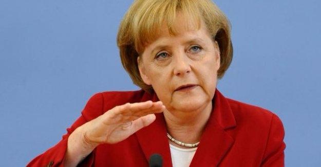 """Merkel: """"Türkiye İnterpol'ü Kullanamaz"""""""