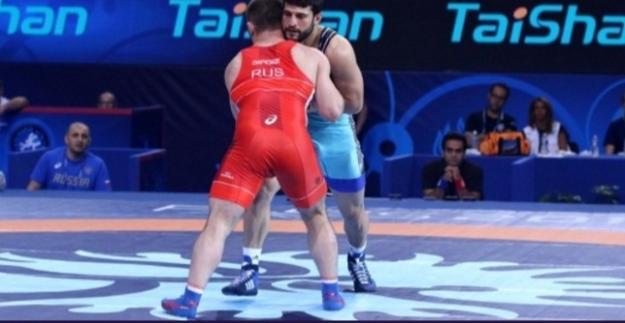 Milli Güreşçi Finalde