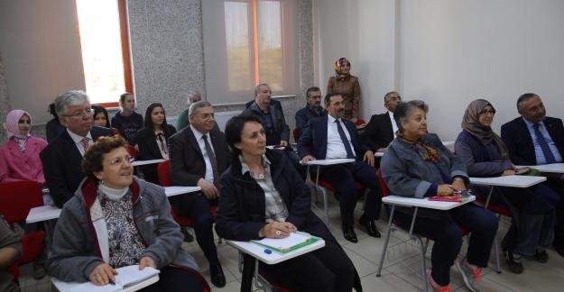 Etimesgut Belediyesi'nden 10 Bin Kişiye Eğitim