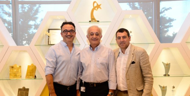 Oyak Renault'dan Yurtdışına İki Transfer