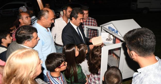 Çukurova Belediye Başkanı Çetin Kütüphaneli Parkını Açtı