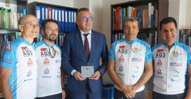 Umut İçin Pedal Çevirenler Marmaris Belediyesi'ni Ziyaret Etti