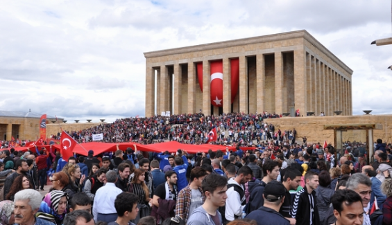 Anıtkabir'e Yıl Bitmeden Ziyaretçi Rekoru: 11 Ayda 6 Milyon 391 Bin 238 Kişi