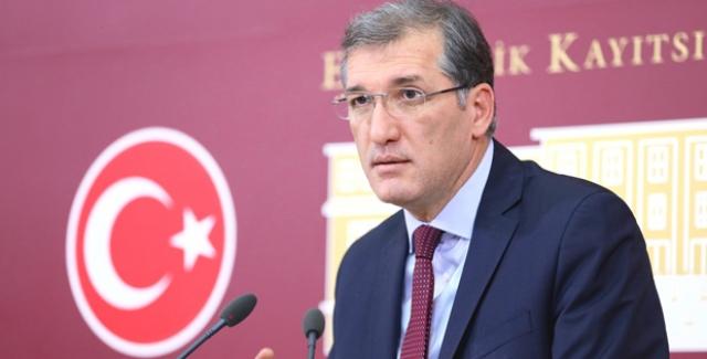 """CHP'li İrgil: """"Ücretli Öğretmenler Zorla İstifa Mı Ettiriliyor?"""""""