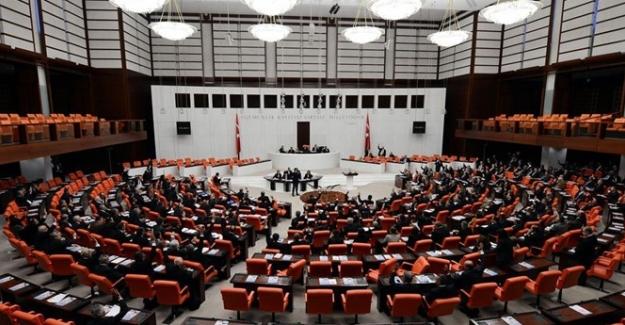 Meclis Genel Kurulu'nda Belge Atışması