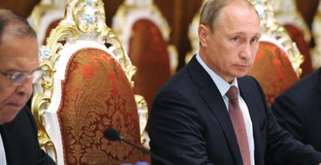 """Putin'den Sürpriz Suriye Ziyareti: Rus Güçlerine """"Çekilmeye Başlayın"""" Emri"""